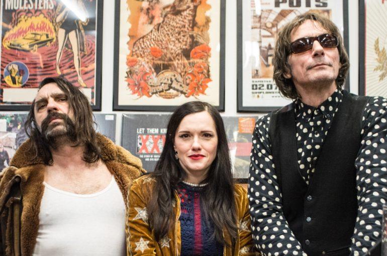 FOTOGALERIJA: Ivanka, Gobac i Mrle družili se s fanovima u Dirty Old Shopu!
