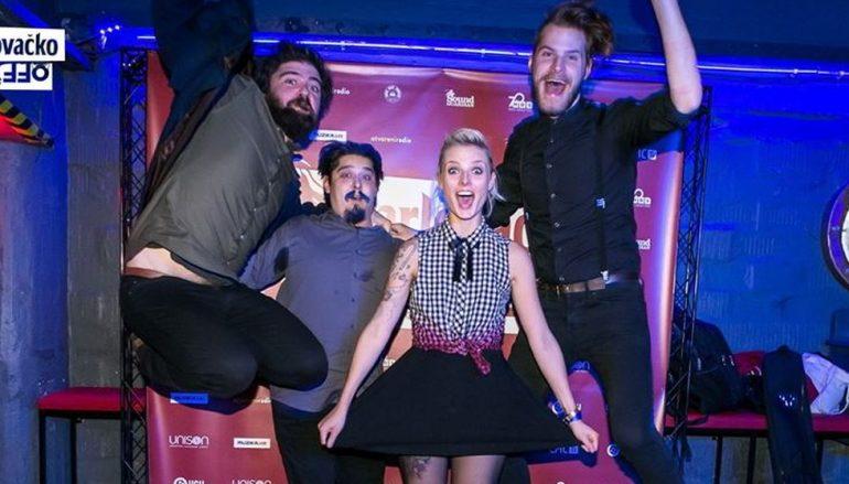 Sve zapaženiji indie rockeri Lika Kolorado idu u novom singlu na sigurno