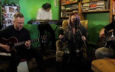 """Ivana Kindl predstavlja svoj Akustika Session serijal – prva u nizu je pjesma """"Najbolje"""""""