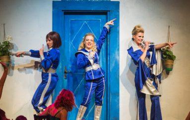 Tri tisuće Zadrana na mjuziklu Mamma Mia
