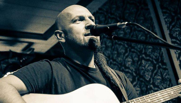 Kantautor bez albuma – većinom nastupa izvan Hrvatske a tako je i ovaj put
