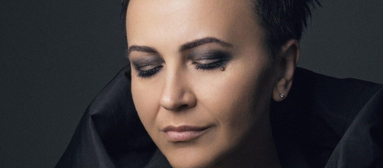 """Amira Medunjanin pjesmom """"Oj Meglica"""" najavljuje novi album i veliki koncert u Puli"""