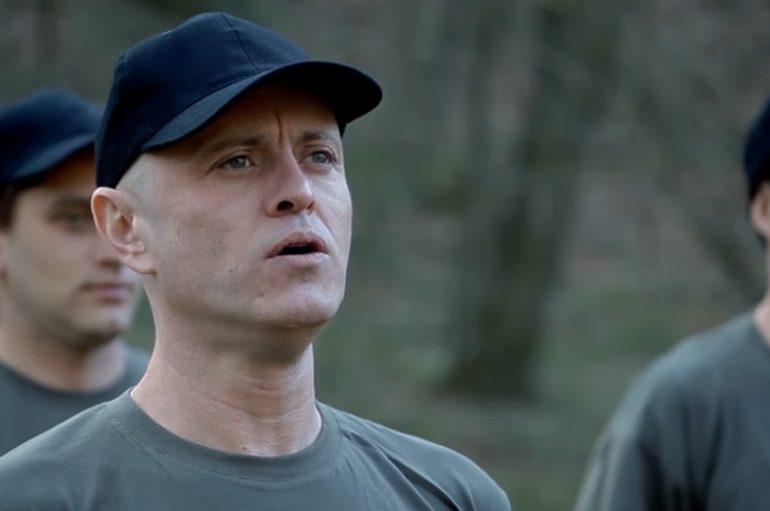 Detour u novom spotu izloženi vojničkom drilu