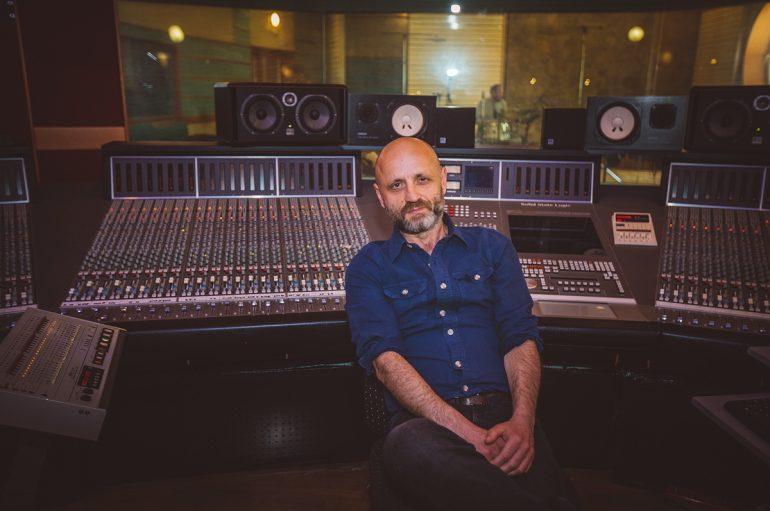 Novi album Mile Kekina dostupan za prednarudžbu ekskluzivno u Menartovom webshopu