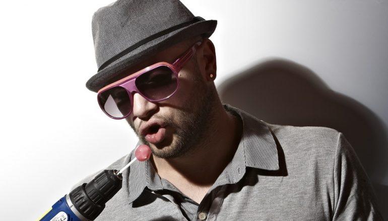 """Elvir Bandić, jedan od najpoznatijih BiH glazbenika, predstavio novu, live verziju pjesme """"Noć i dan"""""""