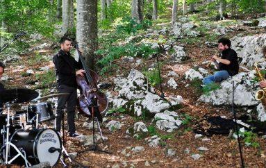 Ambiciozan i inovativan glazbeni projekt Forest GIIPUJA premijerno na Kastafskom kulturnom letu