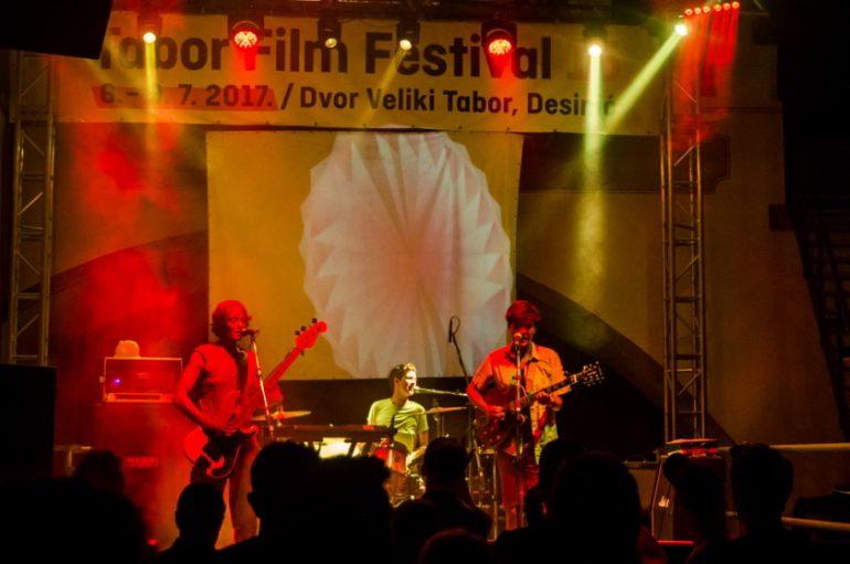 IZVJEŠĆE/FOTO: Počeo 15. Tabor Film Festival uz brojne posjetitelje i sadržaje