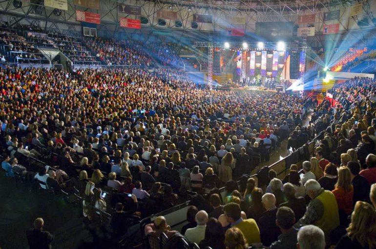 Rasprodani koncert Tomislava Bralića i klape Intrade u Ciboni doživio ovacije!