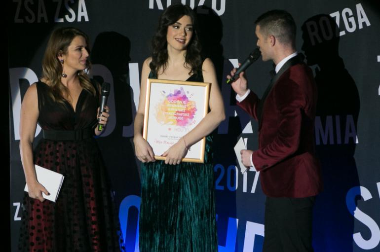 Mia Dimšić s čak tri božićne pjesme na HR top 40 listi