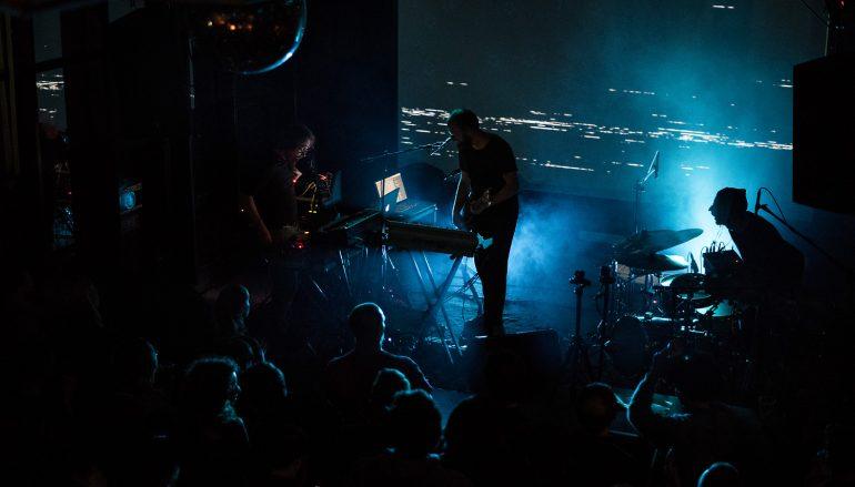RECENZIJA: Bilk – Quantum Status – glazbeni post-electro seks s robotima
