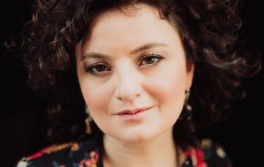 """Zrinka Posavec predstavila novi singl """"Zagrli me svu"""", pjesmu koju često izvodi na koncertima"""