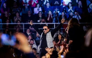 IZVJEŠĆE/FOTO: Željko Bebek u Osijeku održao koncert za pamćenje