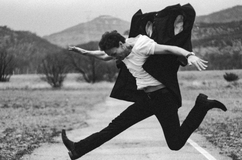 """PREMIJERA: Glazbeni projekt White on White i spot za novi singl """"This War"""""""