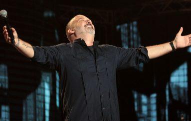 """Mjesec zaljubljenih u znaku Tonyja Cetinskog i nove ljubavne balade """"Čekam te""""!"""
