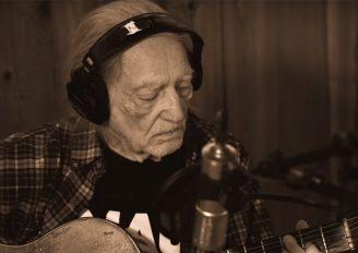 Djedica u najboljim godinama ne staje – Willie Nelson će obraditi pjesme Franka Sinatre