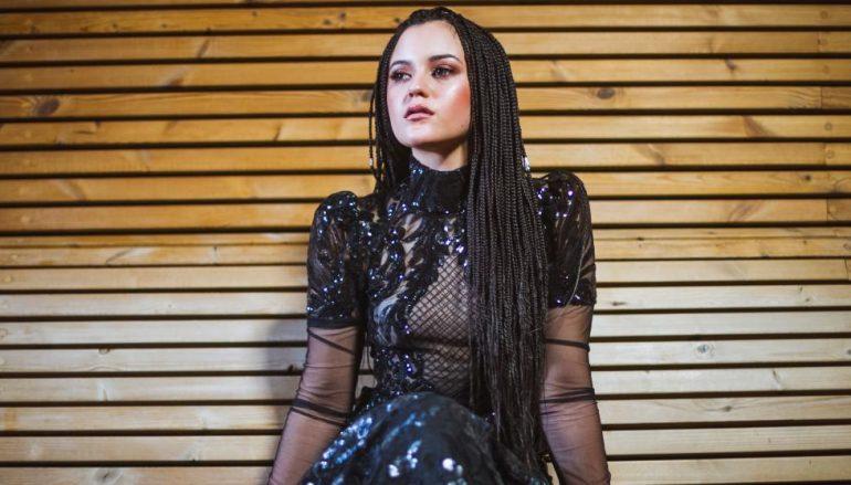 """Predstavljamo još jedno novo ime na glazbenoj sceni – Antoniju Doru i prvi singl """"Na kraju"""""""