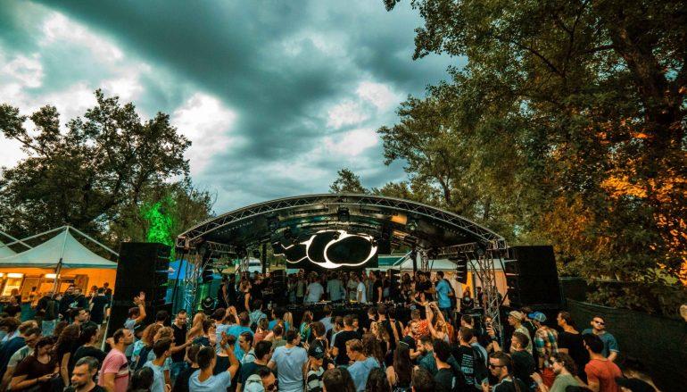 FOTO: Kiša razgalila tisuće ljudi na WELOVESOUND festivalu na Jarunu