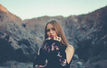 """#svježasrijeda: Novo ime u svijetu glazbe – Blaise Moore i njezin EP """"Temporary Her"""""""