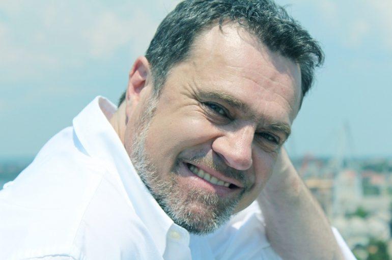 Alen Vitasović i diskografski oživio! S novom pjesmom dolazi na Zagrebački festival!