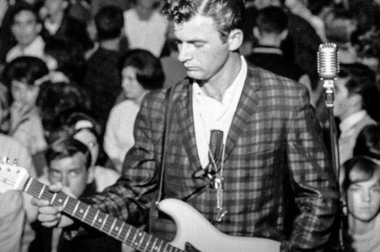 Umro 'Kralj surf gitare' i pionir surf glazbe Dick Dale!