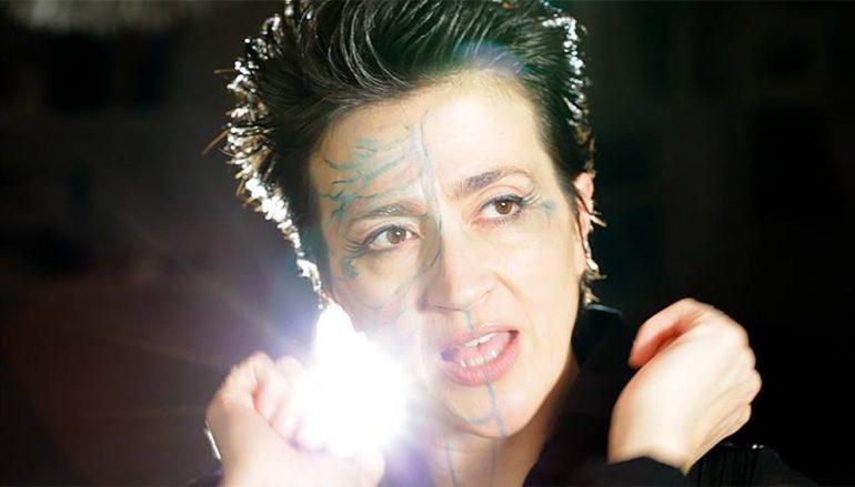 """Sve popularniji zagrebački bend U pol' 9 kod Sabe u novom singlu """"stoji na glavi"""""""