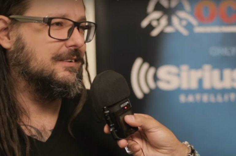 Jonathan Davis (Korn) poziva fanove na borbu protiv nasilja i samoubojstava