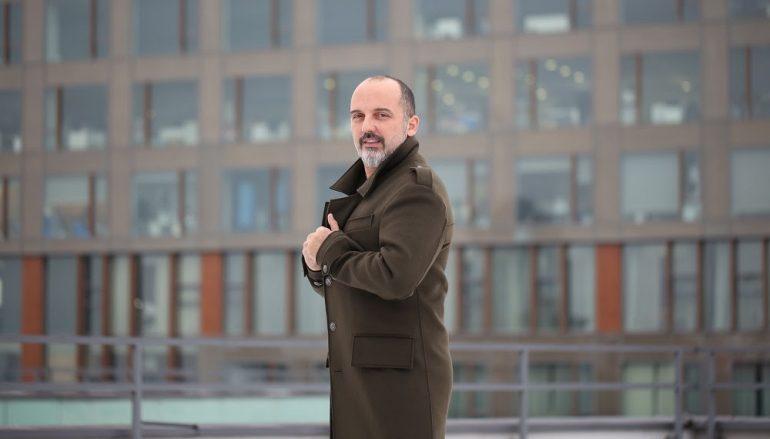 """Toni Cetinski okrenuo novu glazbenu stranicu života singlom """"Laku noć"""""""