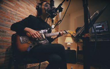 """Ana Avramov s netom napisanom pjesmom na """"Jam with friends"""" sessionu"""