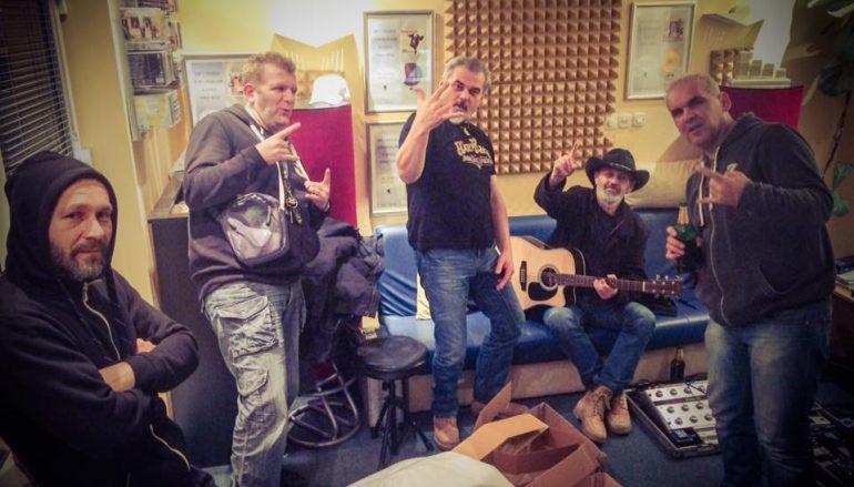 "Opća opasnost u klubu Boogaloo slavi zlatku nakladu albuma ""Rocker…to sam ja"""