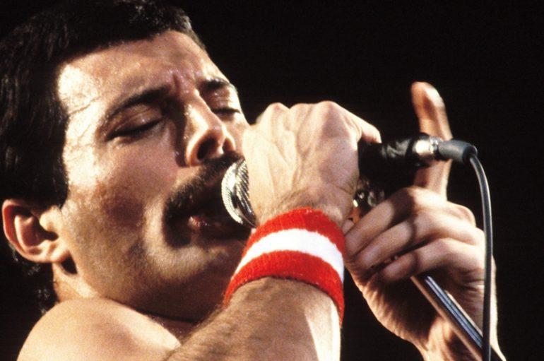 """Osvanuo nikad objavljeni video Freddieja Mercuryja dok izvodi pjesmu """"Time Waits For No One"""""""