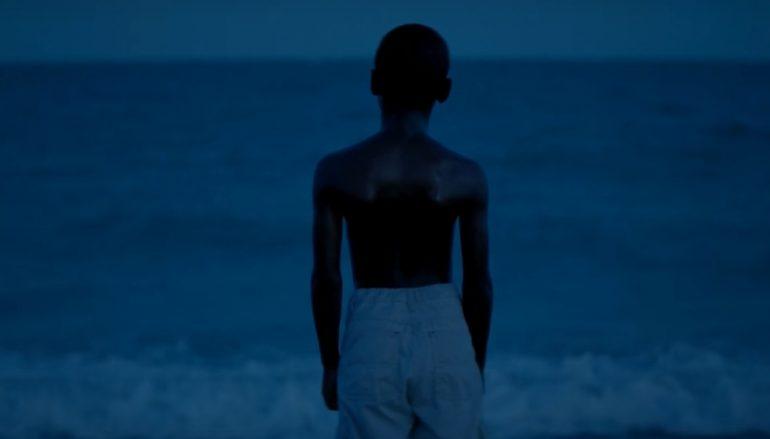 """RECENZIJA: """"Moonlight"""", realni prikaz surovosti života i neuzvraćene """"zabranjene"""" ljubavi"""