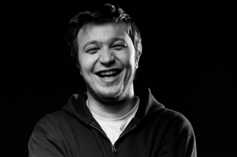 """Objavljeno remasterirano izdanje albuma """"Slušaj mater"""" – Edo Maajka potpisuje primjerke u Rockmarku!"""