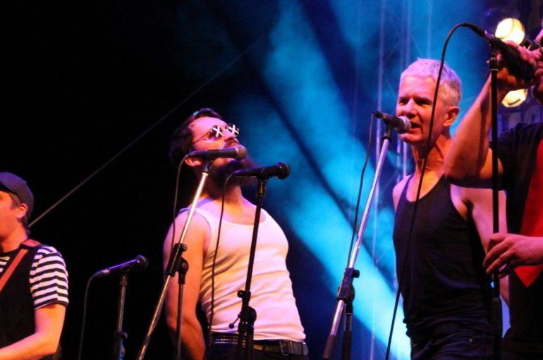 IZVJEŠĆE: Paunovo perje i ska-rock spektakl u Domu Sportova