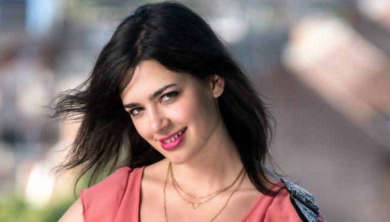 RECENZIJA: Je li doista Mia Dimšić buduća hrvatska pop zvijezda?