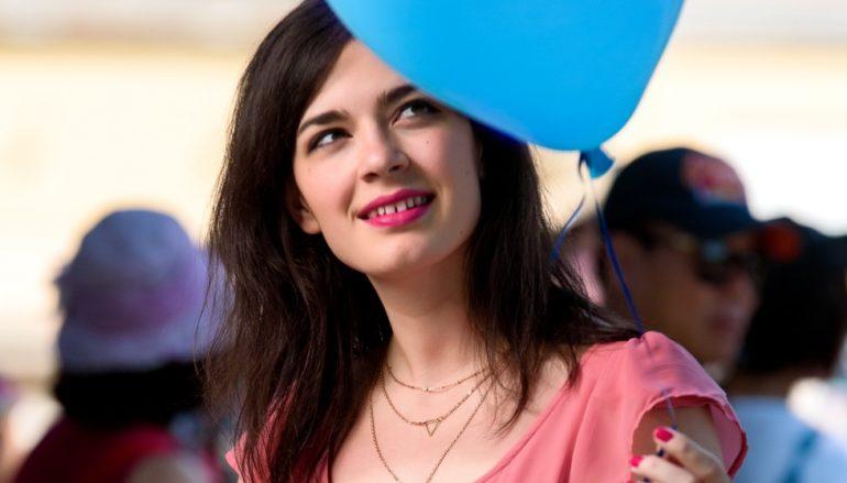 "Mia Dimšić predstavila novi videospot za pjesmu ""Sunce, oblak, vjetar"""