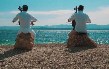 """Pogledajte videospot za novi singl 2Cellos – obradu Vangelisovog hita """"Chariots of Fire"""""""