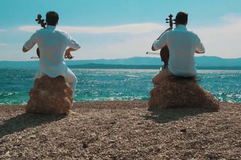 "2Cellos uposlili Olivera Dragojevića u spotu ""Cinema Paradiso"""