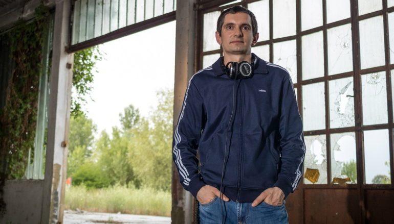 "Topa remiksirao već zarazni disco beat singla ""Bar me isprobaj"" benda U pol' 9 kod Sabe"