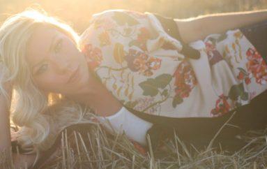 """Carla Belovari za Music Box: """"Svaka pjesma na albumu ima svoju priču i sve su osobne"""""""