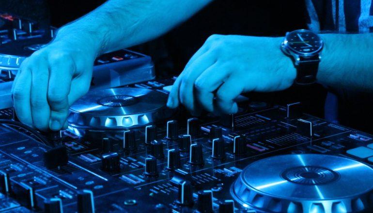 ESEJ: Elektronička glazba: primat-glazba novog tisućljeća