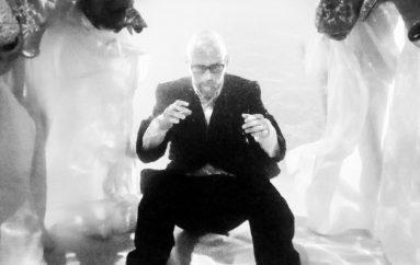RECENZIJA: Moby se ponovno vratio počecima na novom post-punk hard core rave albumu