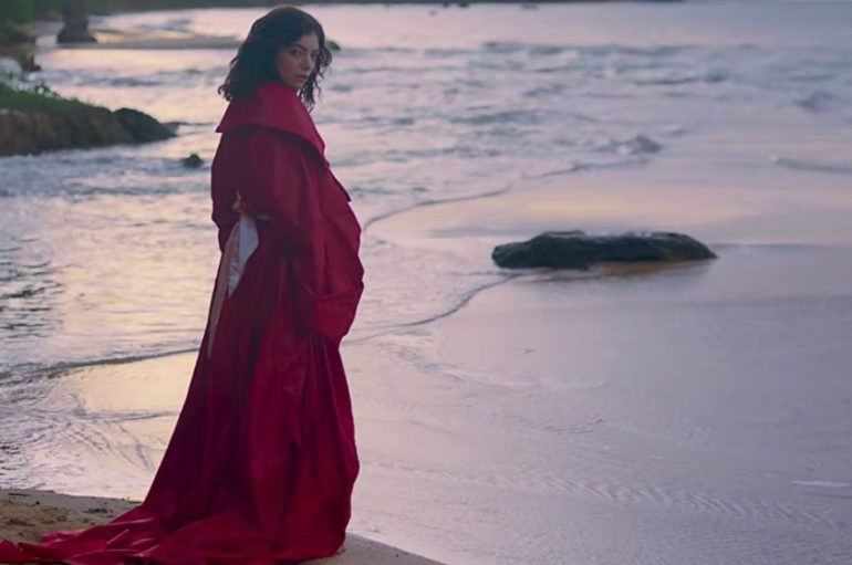 "VIDEO: Lorde predstavila očaravajući spot za novi singl ""Perfect Places"""