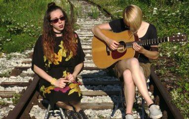 "Elektronički eksperimentalni akustični duo Playground Hustle objavio spoken word EP ""Kolovoz"""