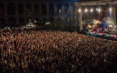 IZVJEŠĆE/FOTO: S više od 60 glazbenika na sceni i punim gledalištem otvoren 10. Outlook festival