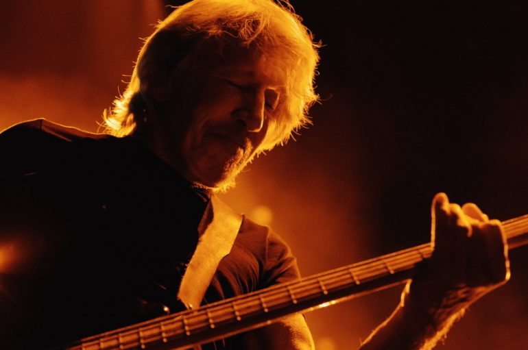 "Roger Waters objavio live album ""Us + Them"" koji prati njegov kocertni film"