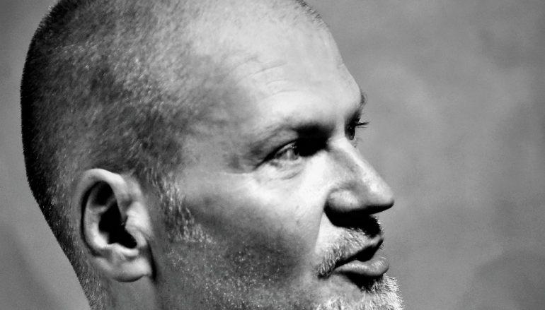 Damir Avdić se vraća u Vintage naoružan Les Paulom, Marshallom i svojim vokalom