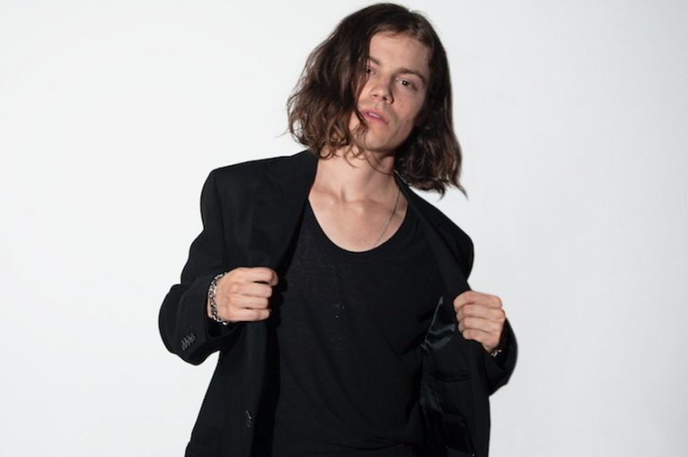 "Børns predstavio pjesmu s Lanom Del Rey s novog albuma ""Blue Madonna"""