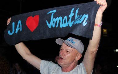 """Jonathan: """"Koncept novog albuma je između ljubavi i straha, živjeti život iskrenim emocijama ili se praviti da živiš"""""""