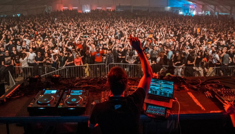 Već prve godine Festival 84 na Jahorini s 20 tisuća posjetitelja među najmasovnijim zimskim festivalima na svijetu
