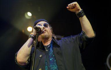 """""""Africa"""" grupe Toto svirat će vječno na instalaciji sa šest zvučnika u afričkoj pustinji"""